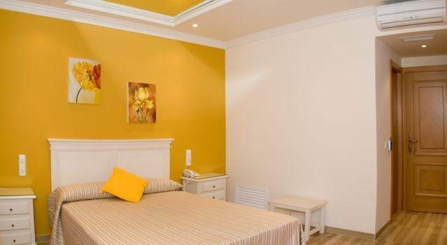 Hotel los Girasoles - 2 Star #Hotel - $40 - #Hotels #Spain #ValencinadelaConcepción http://www.justigo.biz/hotels/spain/valencina-de-la-concepcion/los-girasoles_8154.html