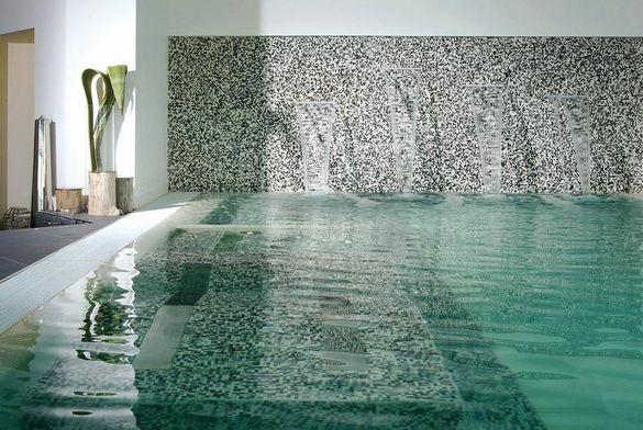 Mosaico per piscine e mosaici per terme e centro benessere.