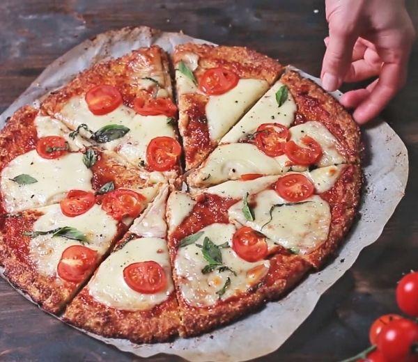 #recept #Gluténmentes #Cukormentes #Laktózmentes  Liszt nélküli pizza Liszt nélküli pizza, érdemes kipróbálni.