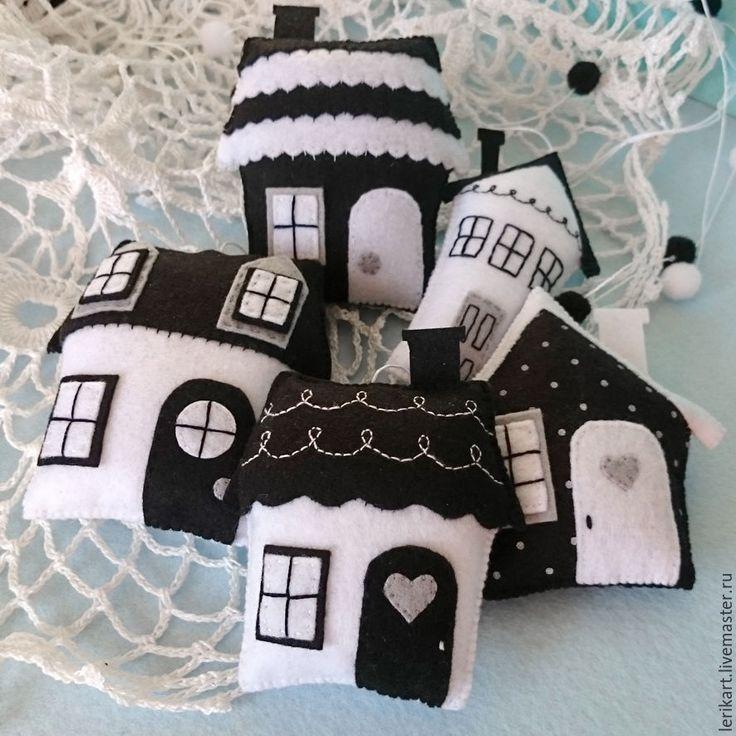 """Купить Черно-белый мобиль из фетра на кроватку для новорожденного """"Домики"""" - мобиль, мобиль в кроватку"""