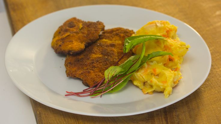 Kippenschnitzel met stoemp van gebakken wortel en raap | VTM Koken