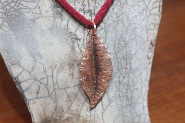 """Ciondolo """"Leaf"""" dettaglio"""