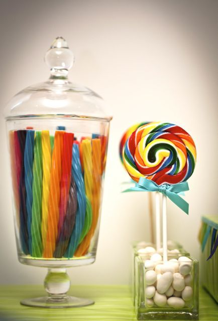candy - - -i need to get some of these :): Candy Buffet, Color, Rainbows Candy, Rainbows Treats, Parties Favors, Rainbows Parties, Candy Tables, Candy Jars, Birthday Ideas