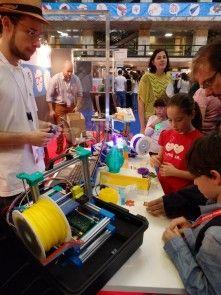 Emmanuel Gilloz et sa FoldaRap à la Maker Faire de Rome