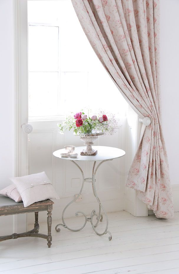 Georgian Roses Linen by Peony & Sage. Love that table!!!