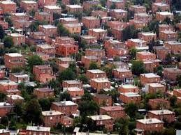 Baťovy domky...byly stavěny na pár let a již stojí stovky. Pořád bezpromlémově slouží obyvatelům Zlína