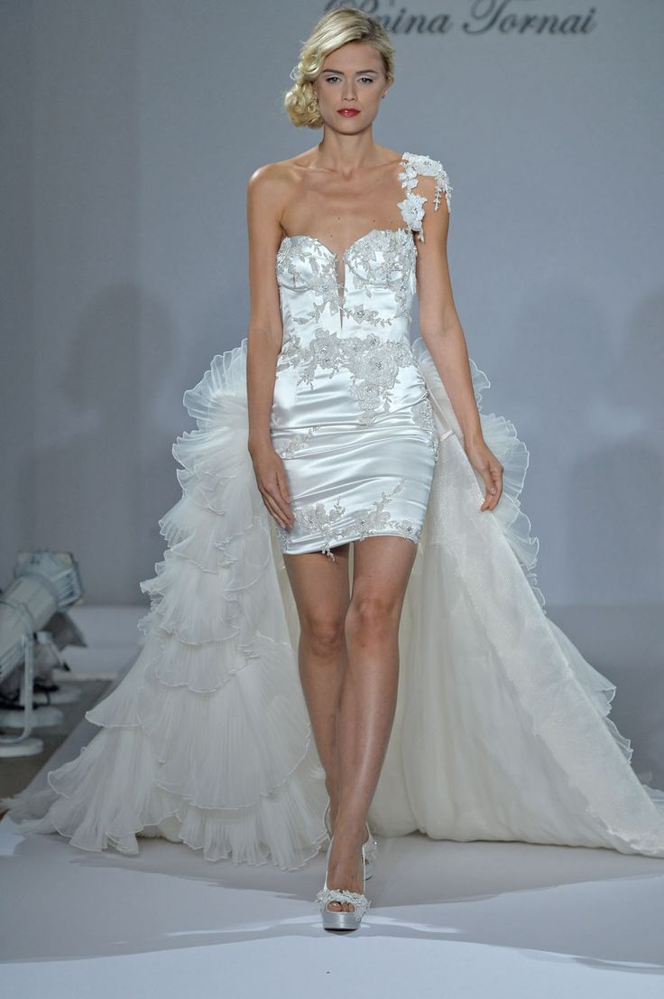 47 best Bridal Fashion Week Fall 2015 images on Pinterest ...