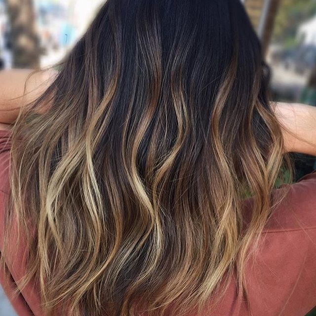 Falling for this brunette! 🍁 Color by @hairbycarlygillam #hair #hairenvy #hairstyles #haircolor #brunette #balayage #highlights #newandnow #inspiration #maneinterest