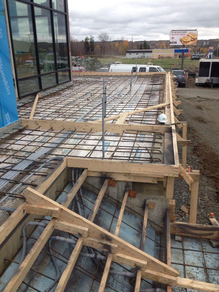 Le roi du beton estructuras pinterest escalera for Construccion de escaleras de hierro