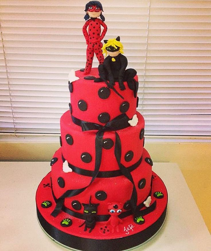 251 best images about festa tema miraculous ladybug e cat for Decorazioni torte ladybug