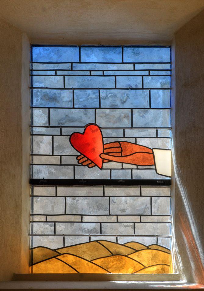 Vitrail de Jean-Michel FOLON - Chapelle Folon à St-Paul de Vence (France)