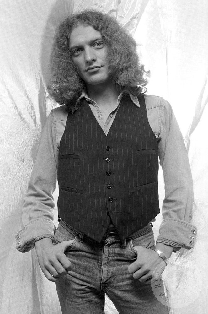 Lou Gramm by Len DeLessio