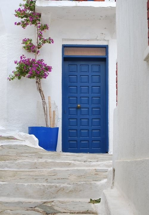 Kea island, Greece. Another entrance that would make a beautiful quilt. hmmm...a series??