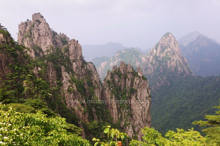 Meet in Huangshan Airport (or Railway Station), visit Old Street, Ink-stick Workshop, Huangshan City Museum. Stay at local hotel in downtown Tunxi.