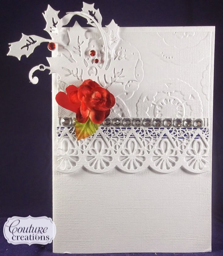 Couture Creations: Holly & Lace by Lesa Bird | #couturecreationsuas #cards #Christmas #decorativedies #ornamentallacedies