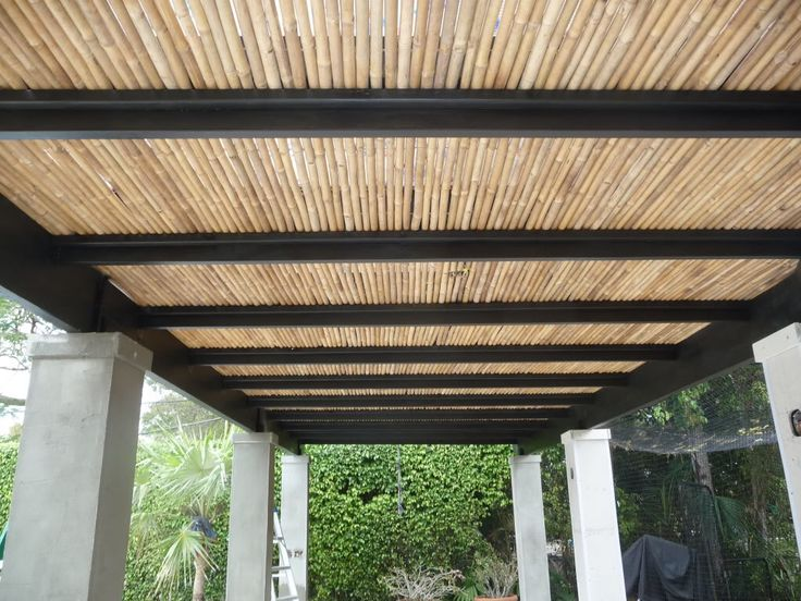 Image from http://i294.photobucket.com/albums/mm107/Outdoor_Living/Bamboo%20Pergola/outdoorliving010.jpg.