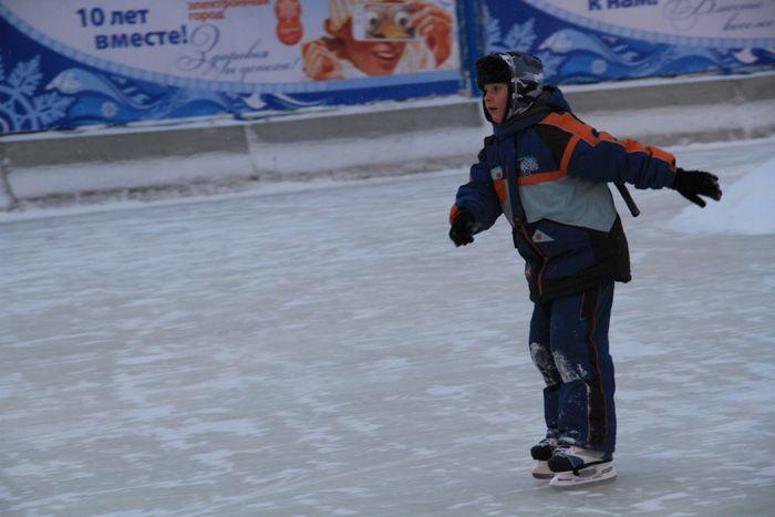 Новосибирские новости - Развитие города - Новогодний снежный городок пл. Ленина и главная елка города официально открыты