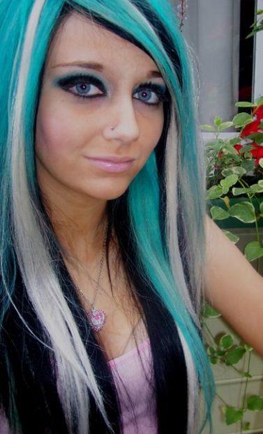Blonde Streaks On Dark Hair Styles Blonde Hair With Blue Streaks