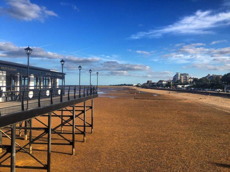 Travel impressions on The Cleethorpes Beach on a Sunday afternoon (Grimsby, England) #beach #visit #wanderlust #travelblog #traveltips #blog #traveler #whattodo #lowtide #hightide #sea #sand #sunnyday