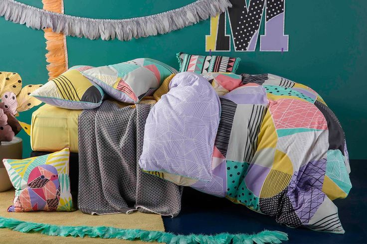 The Molly Duvet Cover Set by Kas Kids resembles a funky art masterpiece. The array of colourful geometric shapes in pastel colours brings a playful, fun ambiance to your child's bedroom.