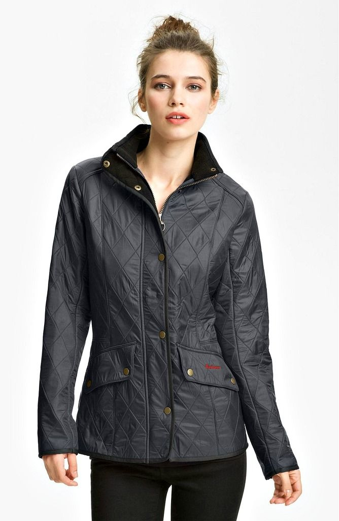 Travel raincoats for women don't need to be utilitarian if you're not planning an outdoor trip. Here are 18 stylish and Insta-friendly waterproof jackets!