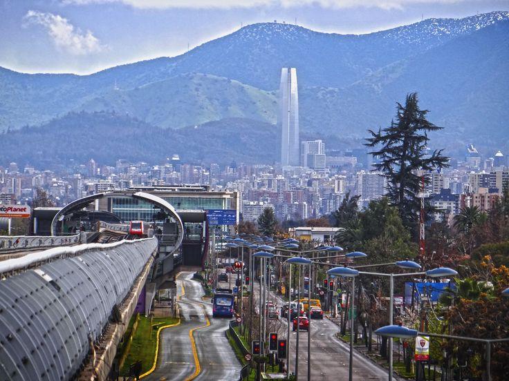Metro de Santiago - Línea 4 - Costanera Center - Chile.