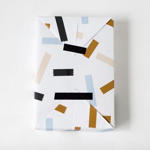 wrap paper with tape | Jessica Nielsen http://decdesignecasa.blogspot.it