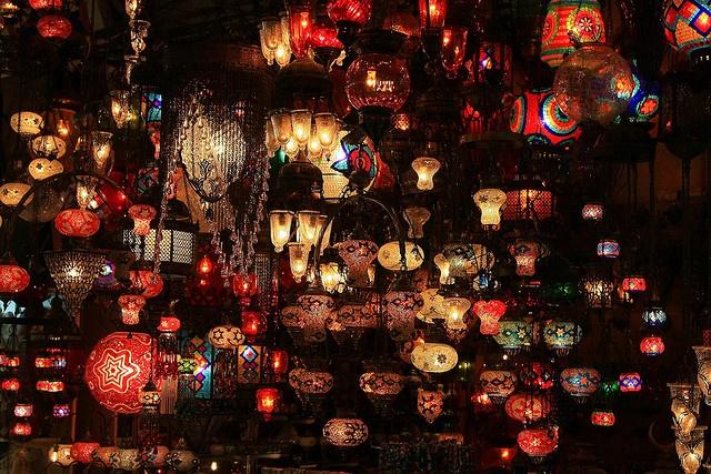 Gran Bazar / Grand Bazaar / Kapali Carsi  Photo by: Dlmphoto.com