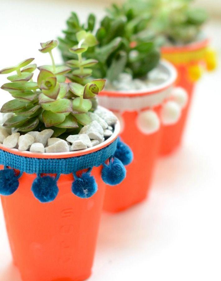 Macetas con vasos descartables para decorar cumpleaños - http://xn--manualidadesparacumpleaos-voc.com/macetas-con-vasos-descartables-para-decorar-cumpleanos/