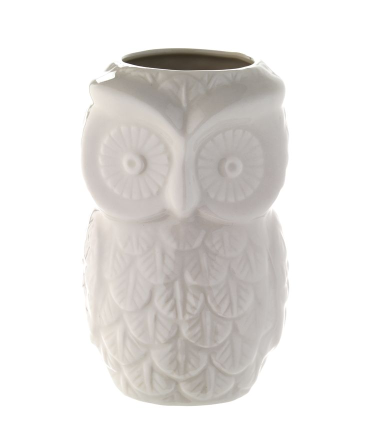 Bring a little woodland charm to your bathroom with this carved owl toilet brush. Priced at £12
