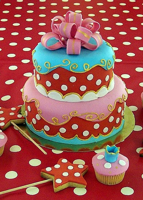 Oilily inspired cake...