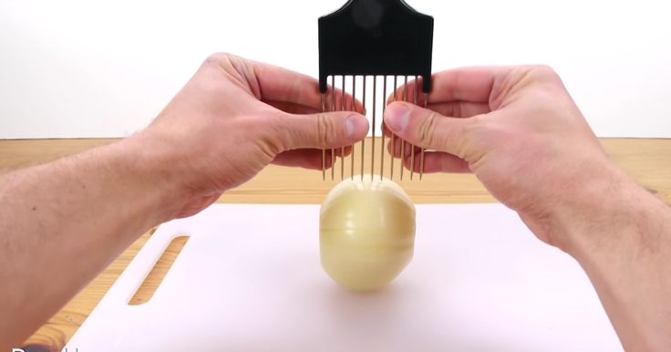 This hack for perfectly slicing any vegetable will give you an excuse to buy a hair pick.