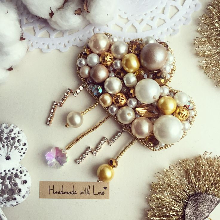 Handmade pearl cloud brooch