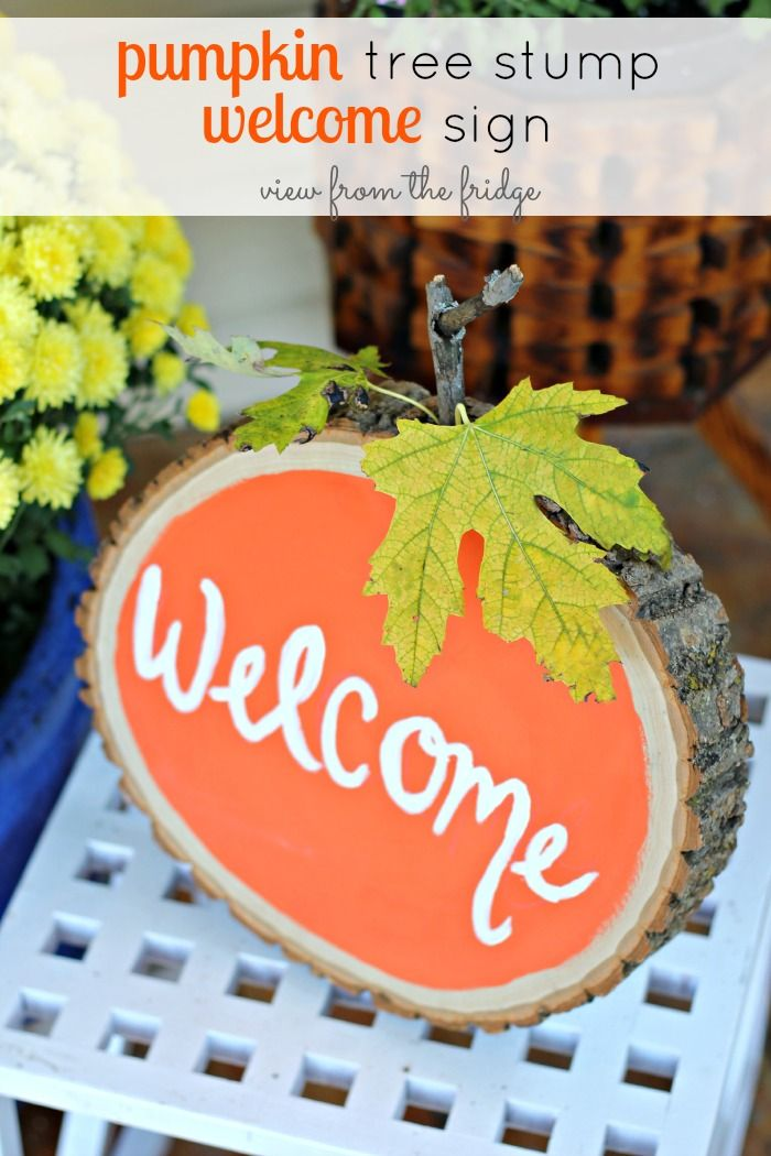 Welcome your guests this Fall with this easy Pumpkin Tree Stump Welcome Sign with a little paint and some items from your yard! Check out the simple step-by-step tutorial here!