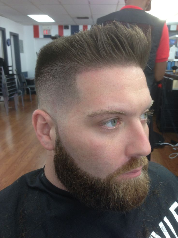 Flat Top skin fade with a longer textured front | barbes ...