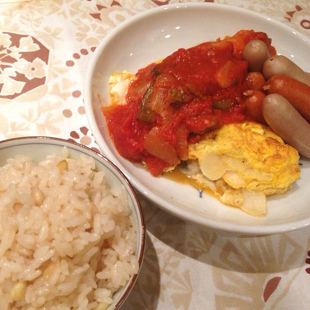 Good night with garlic omelet, sausage, ratatouille, and rice steamed with pine seed... 1am... What a guilty..,