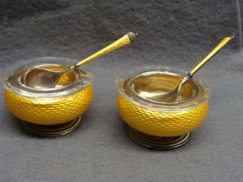 RARE-Pair-Of-Norway-David-Andersen-Sterling-Silver-Enamel-Salt-Cellars-W-Spoons