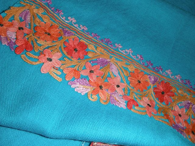 About the Zalakdozi or Aari embroidery of Kashmir