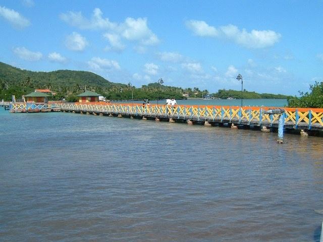 Lovers Bridge, between Providencia and Santa Catalina, Colombia
