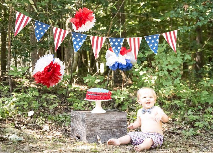 Cake smash. Americana. One year. Americana birthday. America. Cake. Boy birthday. Baby boy. Outdoor cake smash. Red white and blue. Burchett Photography