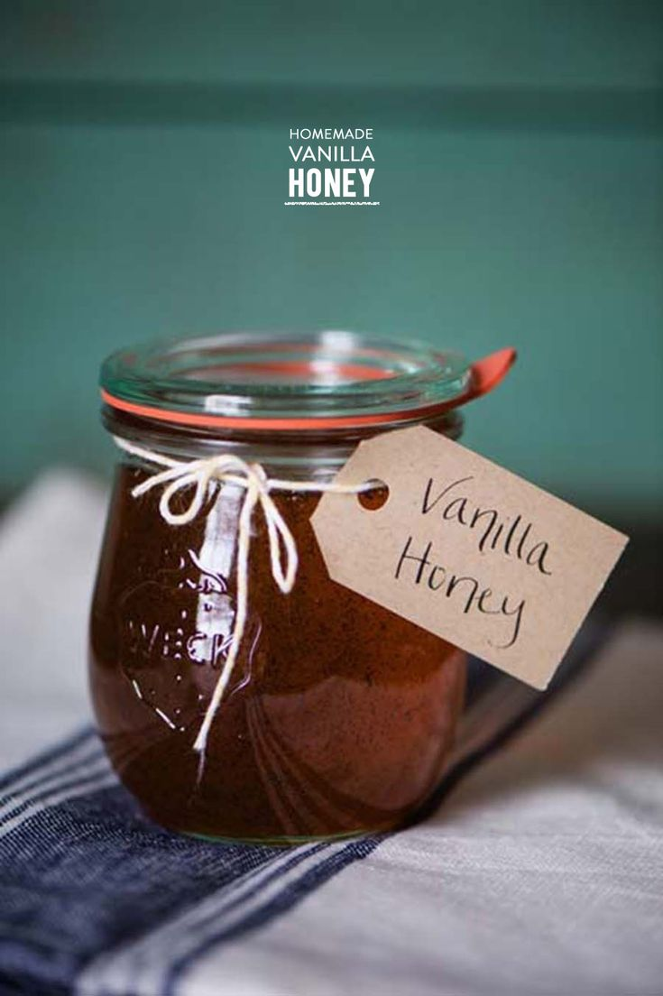 Vanilla infused honey #DIY | Photography: Alexandra Whitney  Read More: http://www.stylemepretty.com/living/2014/04/30/homemade-vanilla-infused-honey/