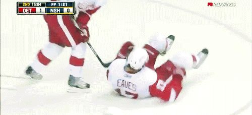 Teamwork? You're suppose to pass the puck not the player! ♥