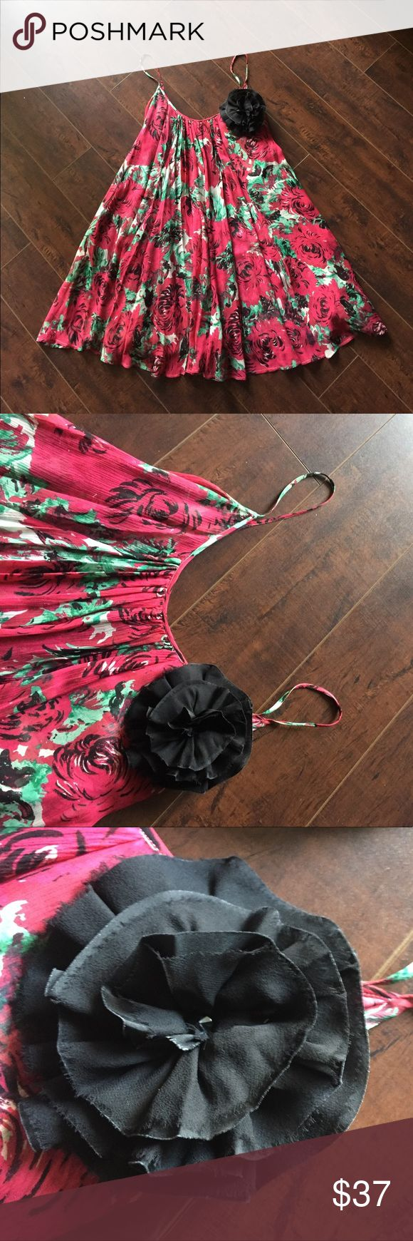 Plenty Frock Tracy Reese silk pleated floral dress Plenty Frock Tracy Reese 100% silk pleated floral dress with accented black flower. Super cute dress. Perfect for any party of night out. Dress is knee length. Size is petite. Overall color is pinkish red with red, green and black roses on dress Plenty by Tracy Reese Dresses