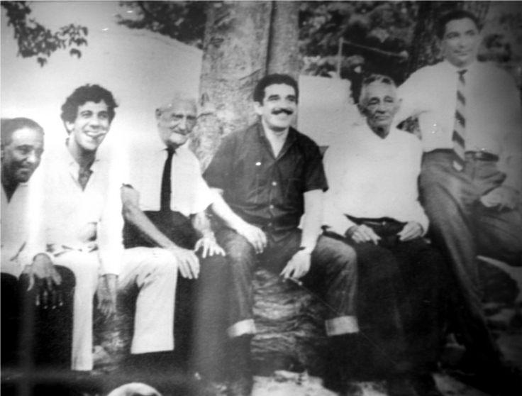 'La despedida' del maestro. Escalona y el combo: Hernando Molina, Gabriel García Márquez, Roberto Pavajeau, Álvaro Cepeda Samudio y Clemente...