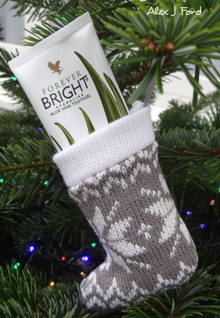 For that Holiday fresh smile 😄 #ad  #BeYourFavouriteSelf #giftideas #present #health #beauty #clean #fresh #christmas #christmastree #holiday #stockings #men #women #business #love #life #alexjford