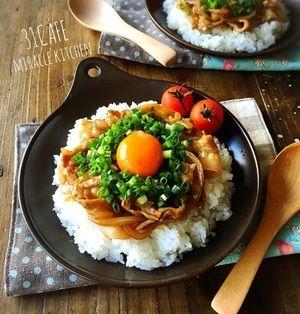 ♡超簡単モテレシピ♡こってり甘辛ネギ玉豚丼♡【時短*卵*ワンパン】