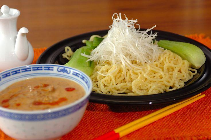 栄養価が高く、良質なたんぱく質を含む豆乳をスープに加える事で、手軽に栄養補給ができます。10分で!豆乳担々つけ麺/中島 和代のレシピ。[中華/麺料理(ラーメン等)]2011.02.14公開のレシピです。