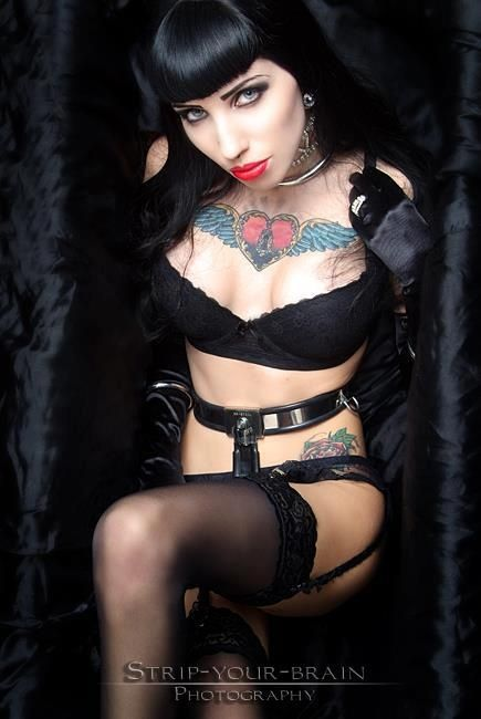 Gothic girls strip