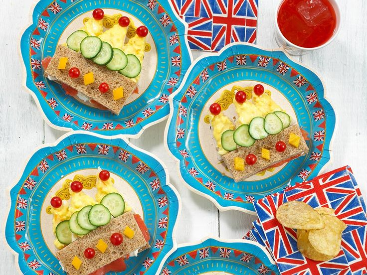These crown sandwiches are fine finger food for one and all!