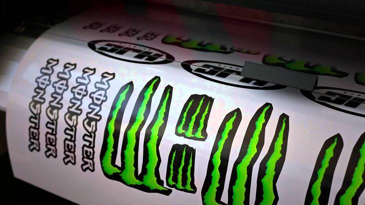 Making off 'Graffiti' Helmet of Jorge Lorenzo GP de Catalunya